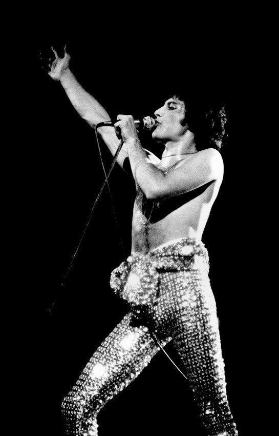 ca. 1976-1996 --- Freddie Mercury of Queen on Stage --- Image by © Denis O'Regan/CORBIS